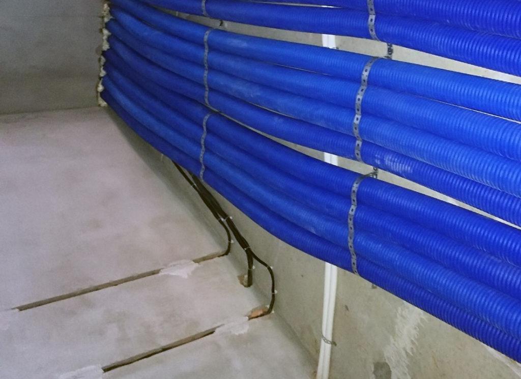 Монтаж пластиковой вентиляции